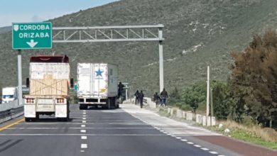 Photo of Captan asalto a traileros en la autopista Puebla-Orizaba