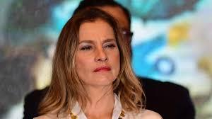 Photo of Reprueba esposa de AMLO ataques a diputada en redes sociales