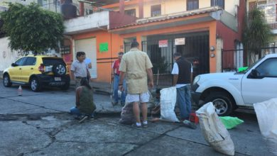 Photo of Vecinos bachean sus calles en Xalapa