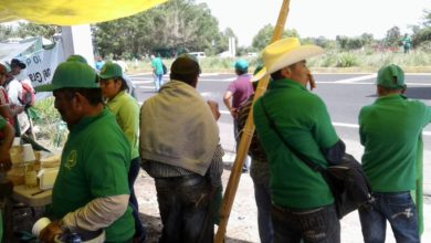Photo of Con bloqueo a carretera campesinos exigen transparencia