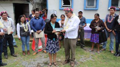 Photo of Reciben habitantes de Mixtla y Xoxocotla apoyos de Bienestar