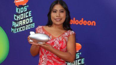 Photo of Dan a Yalitza Aparicio reconocimiento en Kids Choice Awards