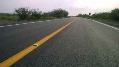 Photo of Saquean camión volcado en autopista de Veracruz