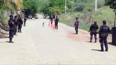 Photo of Presuntos miembros del CJNG instalan retenes