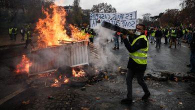 Photo of Continúan las protestas de «chalecos amarillos» en París