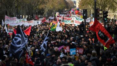 Photo of Franceses salen de nuevo a las calles para frenar reforma de pensiones
