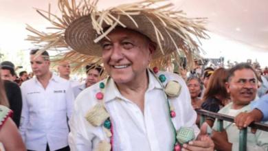 Photo of Cambio se logra tras «predicar cívicamente», afirma López Obrador