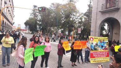 Photo of Padres de niños con cáncer arremeten contra funcionaria de Sesver