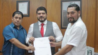 Photo of Recibe SEV escrituras para construcción del Conalep