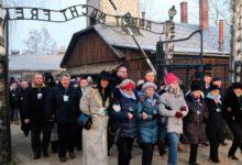 Photo of Sobrevivientes conmemoran 75 años de liberación de Auschwitz