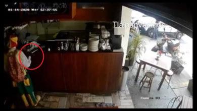 Photo of Video: Payaso pide agua en negocio y aprovecha para robar