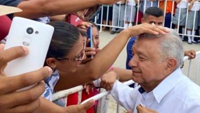 Photo of Tabasco está de fiesta por usted, dicen chontales a  Obrador