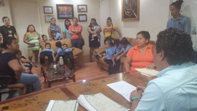 Photo of Firma Alcalde Acuerdo Para Construcción de Aula en Tres Valles