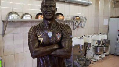 Photo of Panadero crea estatua de Cristiano Ronaldo de chocolate #Video