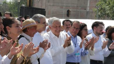 Photo of Promete AMLO adaptar contratos a reforma laboral