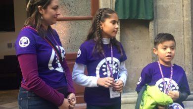 Photo of AMLO atiende a niños de RTV en la mañanera