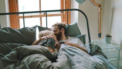 Photo of Estudio sugiere que el olor de pareja sentimental mejora el sueño