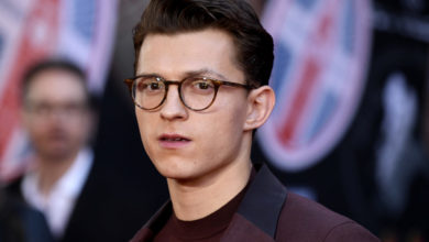 Photo of Tom Holland compra una gallina a falta de huevos en el super