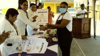 Photo of Entrega Salud 34 distintivos por manejo higiénico de alimentos