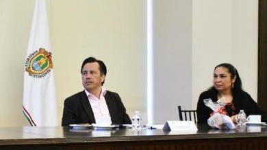 Photo of Cuitláhuac hace tercer pago de deuda a la UV ante el SAT