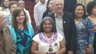 Photo of Ayuntamiento entregó medalla a María Teresa de Medina