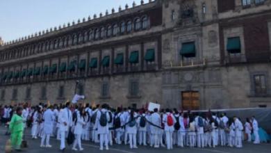 Photo of Estudiantes de Medicina se manifiestan en Palacio Nacional