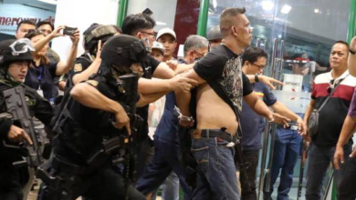 Photo of Sujeto armado libera rehenes en centro comercial