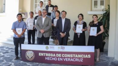 """Photo of Entrega Cuitláhuac la marca """"Hecho en Veracruz"""""""