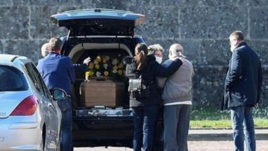 Photo of Acta de defunción frena el acceso de menores a beca de muerte de padres por Covid