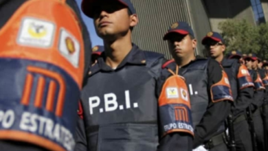 Photo of Detienen a policía por abusar de una joven frente a Chapultepec