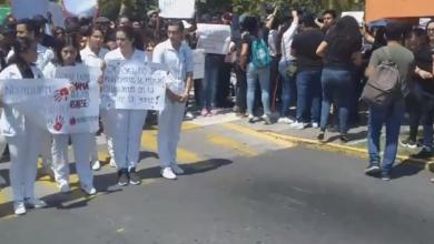 Photo of Estudiantes en Veracruz se suman a protesta por multihomicidio en Puebla