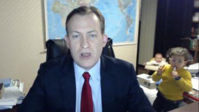 Photo of Reportero de la BBC vuelve a ser avergonzado por sus hijos en plena entrevista