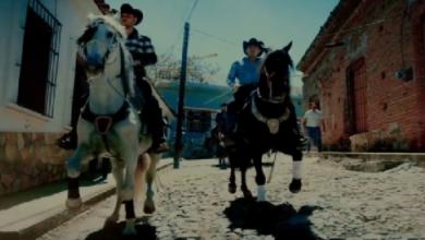Photo of Calibre 50 se reinventa con Barquillero, corrido en honor a un caballo