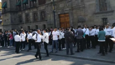 Photo of Meseros afectados por contingencia protestan en Palacio Nacional