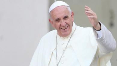 Photo of Papa Francisco realiza Viacrucis sin feligreses en la Plaza de San Pedro