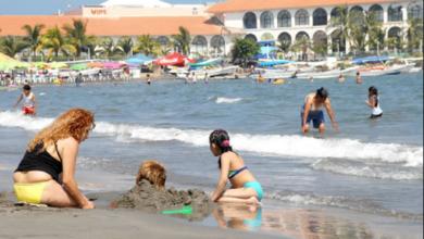 Photo of Alcalde de Veracruz expone a la población al permitir apertura de negocios, acusan