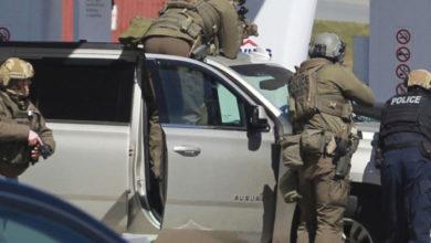 Photo of Al menos 18 personas fallecen en tiroteo en Canadá