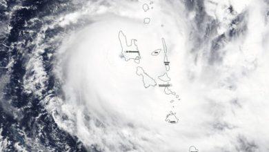 Photo of Toca tierra en Vanuatu primer ciclón durante pandemia