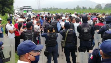 Photo of Bloquean carretera por detención de juez en Veracruz