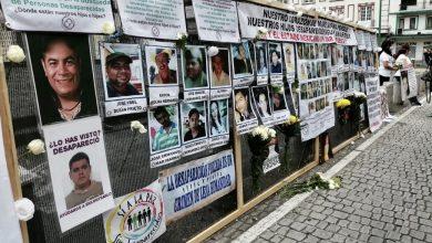 Photo of Madres con hijos desaparecidos lloran su pérdida en Plaza Lerdo