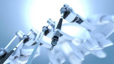 Photo of Entrenan robot con videos de cirugías para que aprenda a suturar heridas