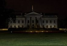 Photo of Trasladan a Trump a búnker y apagan luces de Casa Blanca por protestas