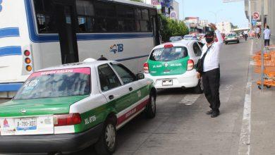 Photo of Taxistas amenazan a quienes buscan emplearse en Uber