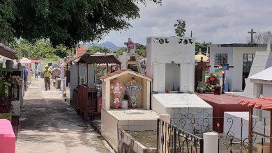 Photo of Difícil situación la de los albañiles del panteón de Misantla
