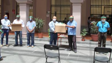 Photo of Entrega Ayuntamiento caretas de protección sanitaria a taxistas
