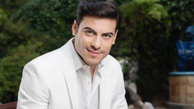 Photo of Usuarios piden a Carlos Rivera que salga del closet