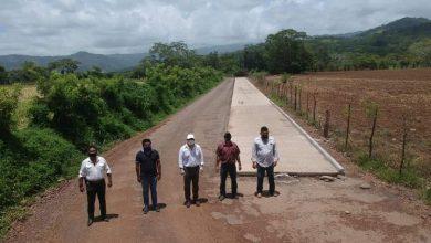 Photo of Avanzan los trabajos de construcción en el camino Coxcoapan-Arrecife