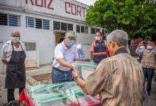 Photo of Distribuye Ayuntamiento caretas  de protección en La Rotonda