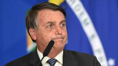 Photo of Jair Bolsonaro vive incómodo momento al confundir a enano con un niño #Video