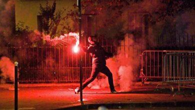 Photo of Parisinos enloquecen; atacan a policías tras perder la Champions